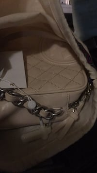 white leather Michael Kors crossbody bag Vancouver, V6B 2N3