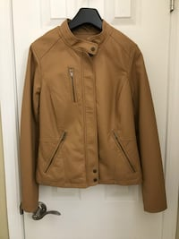 Ladies faux leather jacket  Winnipeg, R2G 2W1