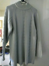 gray scoop-neck long-sleeved sweather Silver Spring