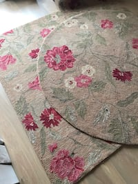 Gold and red floral area rug Virginia Beach, 23455