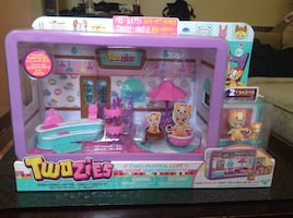 NEW! Twozies Cafe Play-Set