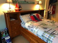 Pottery Barn Teen Pine Full Bed and attached Bookcase/headbord 894 mi