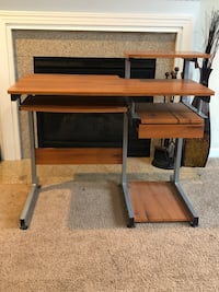 Beautiful Computer desk with drawer