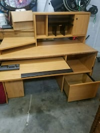 Desk in great condition Summerfield, 34491