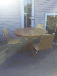 Brown wooden dining table set Edmonton, T5X 3R7