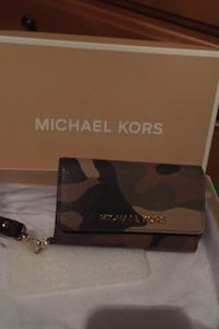 Michael Kors phone and card wristlet in camo