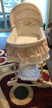 baby Bassinet in a good condtion