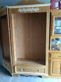 Large lighted County hutch or entry way storage Salem, 97306