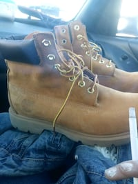 Mens timberlands size 9 Saint Paul, 55107