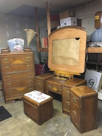 Brown wooden dresser with mirror, no bed. San Dimas, 91773