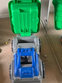 Kids dump truck and paw petrol small car to ride Burnaby, V5H 2A1