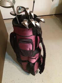 Ladies full set of Dunlop golf clubs with bag St. Charles, 60174