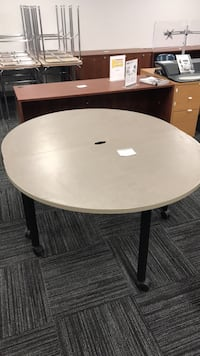 Table Columbia, 21046