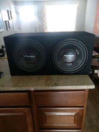 Pioneer 10 inch subs w/kicker amp Arvada, 80003