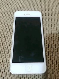 Iphone 5 - great working condition Toronto, M3L 1R9