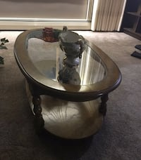 Coffee Table & 2 side tables Port Colborne, L3K 4G8