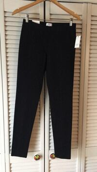 Crown & Ivy black skinny leg Cleveland, 37312