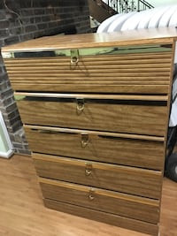 Wood Chest dresser / 5 drawers   Fairfax Station, 22039