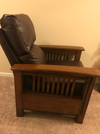 Recliner with wooden sides
