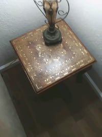 Wood table  with brass inlay and lamp Edmond, 73034