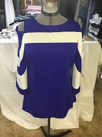 White and blue cold shoulder top,   sizeLg. New never worn Saskatoon, S7N