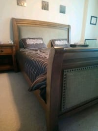 King size bed  London, N6H 5X2
