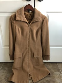 Camel winter coat size 6 at H&M fits small good condition  Cambridge, N1T 0B3