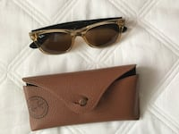 brown and black Ray-Ban wayfarer sunglasses with leather case Coquitlam, V3K 4N7