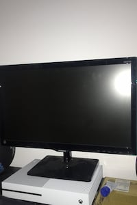 "Samsung 22"" HD monitor (with HDMI)"