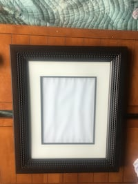 Beautiful Frame  25x21. Holds 11x14 pic Lutz, 33558
