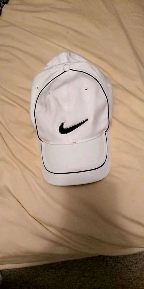 Used Nike Fitted Golf Hat for sale in Rockmart - letgo bb9d13b632c
