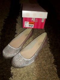 Girls nude flats never worn, new in box Anderson, 29621