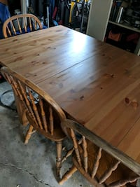 Dining Table & Chairs Bolingbrook, 60440
