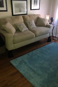 Couch Essex, 21221