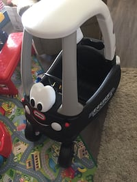 baby's black and white car seat carrier Chestermere, T1X 1C4
