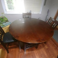 HIGH DINNING TABLE  Brampton, L6Z 1R1