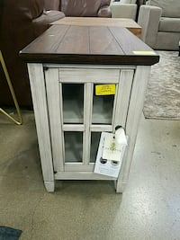 Big Box Outlet Store - Table w/ 2 Outlets + 2 USB  Sacramento, 95834