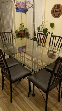 Glass table with 7 chairs  Woodbridge, 22193