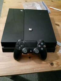 Refurbished Playstation 4 (PS4)
