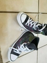 Converse all star size 5 North Richland Hills, 76182