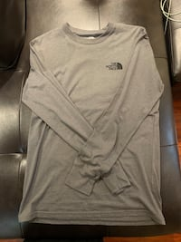 Men North Face long sleeve, Size: small