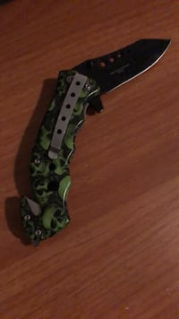 Green and black camouflage tactical knife Haslet, 76052