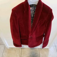 Beautiful velvet burgundy boys jacket. size 6 mint condition used 1day Montreal