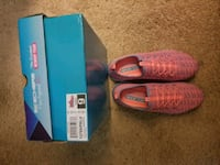Pink Sketchers for Women size 9  Manassas, 20112