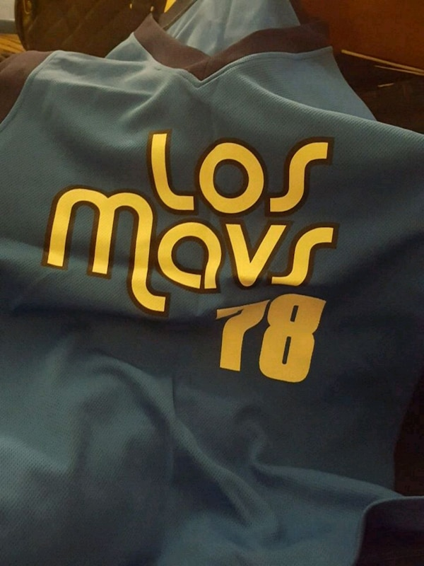 4b4a4d10f Used Med shirt Los Mavs shirt for sale in Fort Worth - letgo