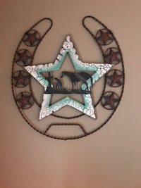 Praying cowboy horse shoe wall decor