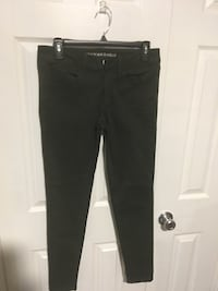 legging. size 6 r super stretch Hunter green and dark maroon Charles Town, 25414