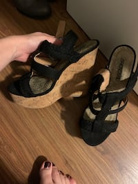 Black wedges Kitchener, N2B 3H3