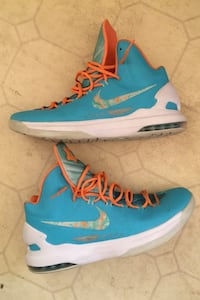 "KD 5 ""Easter"" basketball shoes Anchorage, 99504"