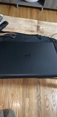 Dell touch screen 17 inch used 5 times  Newmarket, L3Y 2R2